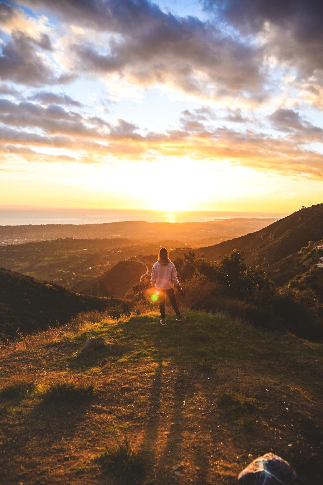 Vista hacia Santa Barbara, en el último atardecer del 2018.