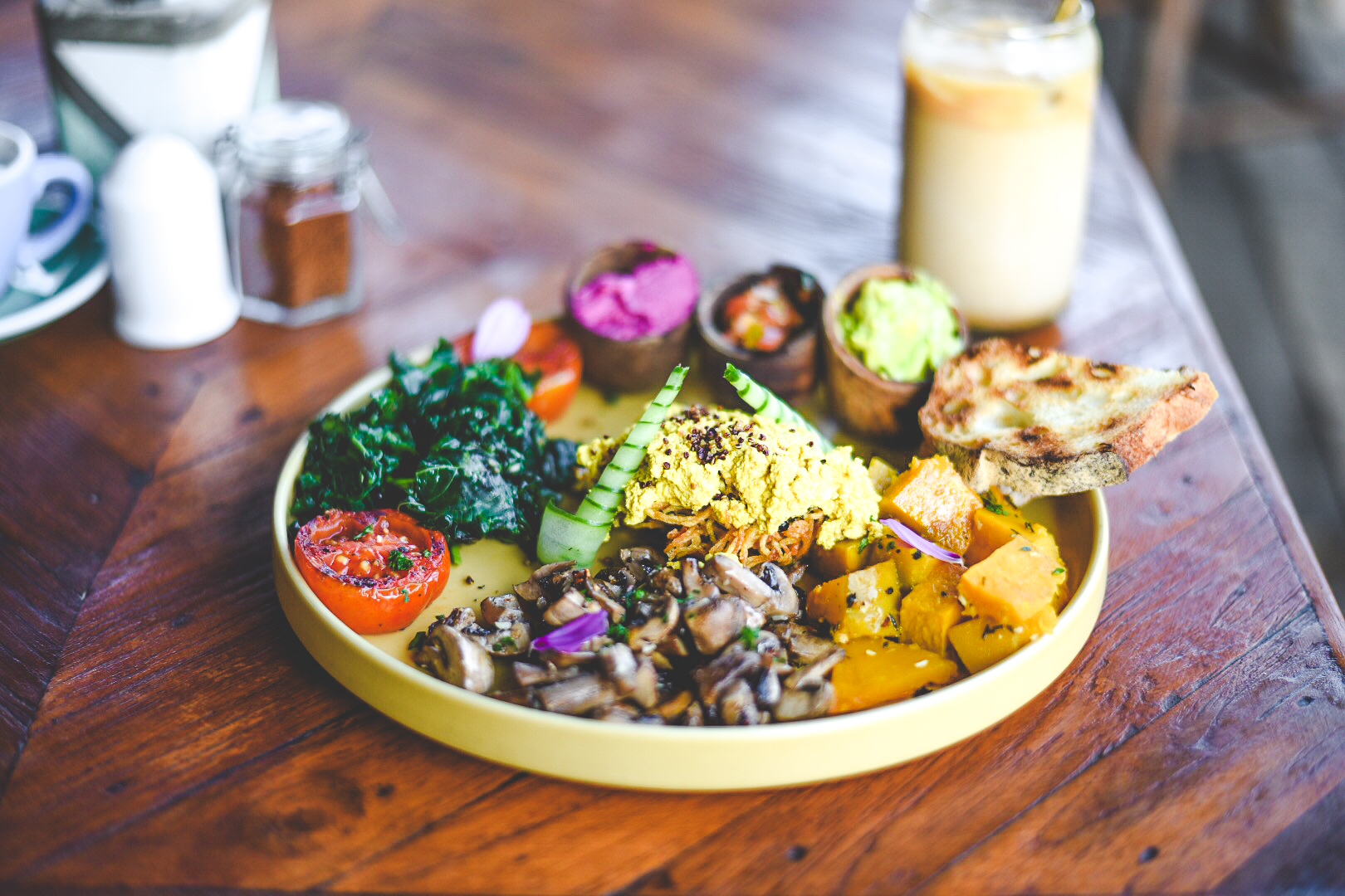 Los 11 Mejores Cafes y Restaurantes Veganos en Bali