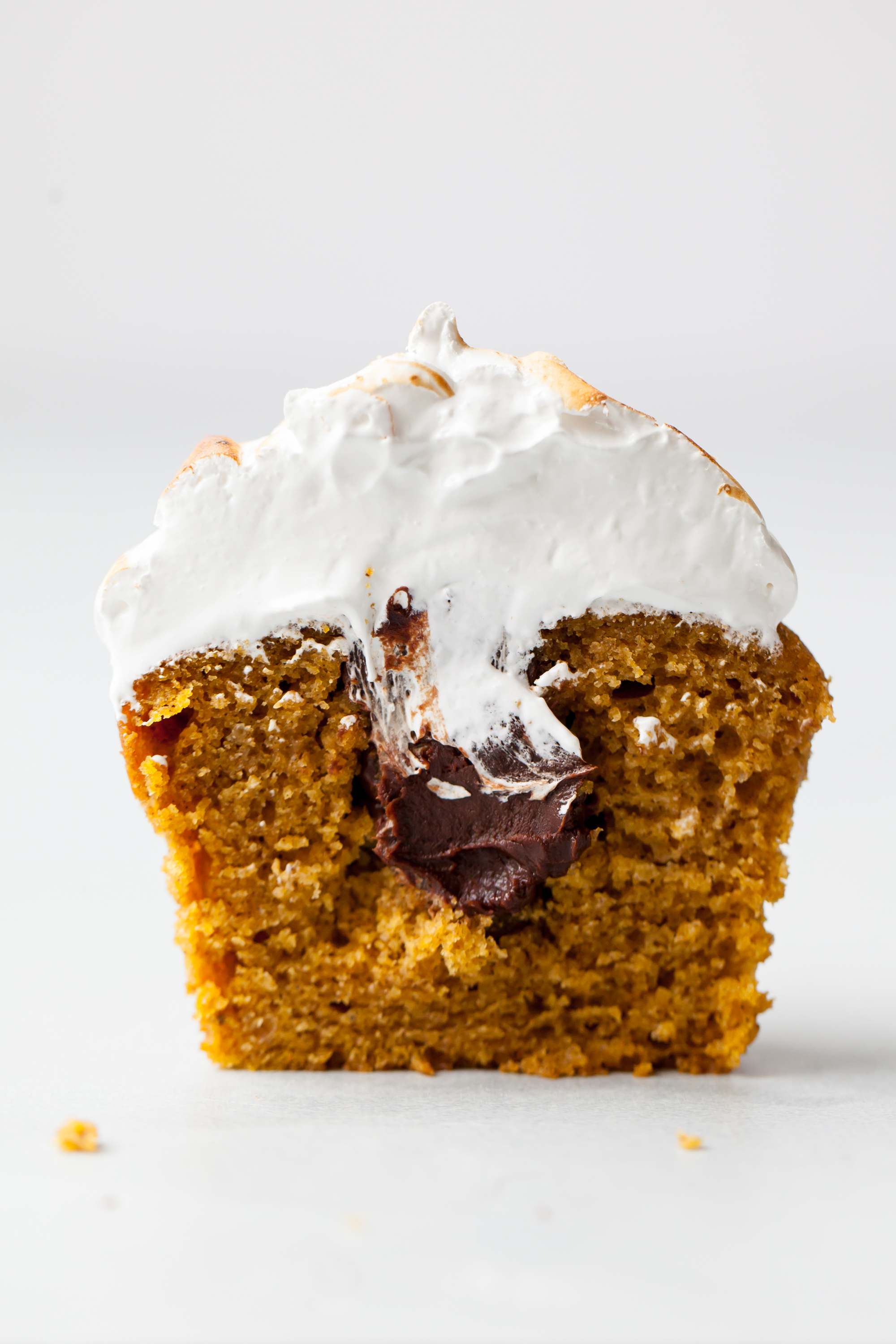 Toasted Pumpkin S'mores Cupcakes with chocolate ganache filling
