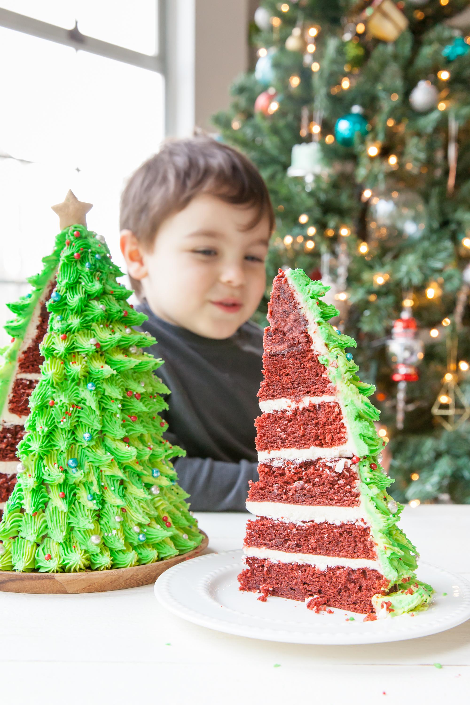 Red Velvet Christmas Tree Cake