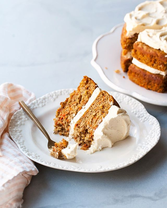 Every day is a good day for carrot cake. Especially when slathered with swoops of brown butter frosting. Don't you agree?? You seem to. This happens to be one your guys' favourite recipes! What you lovely peeps tend to love most are simple and decadent recipes  like this as well as my most intricate layer cakes with several components and decorations. I must ask - what makes you love a recipe?!? Still trying to figure out why this simple (yet incredibly delicious) recipes ranks soooo high every time (as well as the more complex ones). Let me know! Thanks and Happy Friday! * * * * * *  #stylesweetdaily #cakeoftheday #cakedecorating  #bhgfood #abmlifeissweet #f52grams #feedfeed #foodblogfeed @foodblogfeed #thebakefeed #imsomartha #lifeandthyme #thekitchn  #foodwinewomen #thesugarfiles #bakefromscratch #bakersofinstagram #dessertgoals #fbcigers #tohfoodie #wsbakeclub #mywilliamssonoma #kingarthurflour #madewithkitchenaid  #foodphotography #cakegoals #layercake #brownbutter #feedfeedbaking
