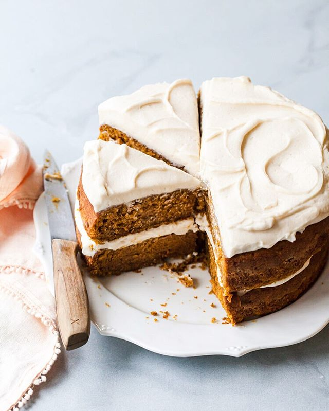 The Best Pumpkin Cake with Maple Cream Cheese Frosting! It's up on Style Sweet today and is begging for you to take a bite. This cake is based off my Best Carrot Cake that you all absolutely love so you know this one is going to be good. There's just something about the simplicity of a two layer cake with those swoops of maple cream cheese that begs to be devoured RIGHT NOW! And pumpkin, cuz duh - 'tis the season! Recipe link in profile 🌟🌟🌟 * * * * * *  #stylesweetdaily #cakeoftheday #cakedecorating  #bhgfood #abmlifeissweet #f52grams #feedfeed #foodblogfeed @foodblogfeed #thebakefeed #imsomartha #lifeandthyme #thekitchn  #foodwinewomen #thesugarfiles #bakefromscratch #bakersofinstagram #dessertgoals #bombesquad #fbcigers #tohfoodie #wsbakeclub #mywilliamssonoma #bobsredmill @bobsredmill #madewithkitchenaid  #layercake #cakegoals #f52fallkickoff #pumpkincake #pumpkinseason