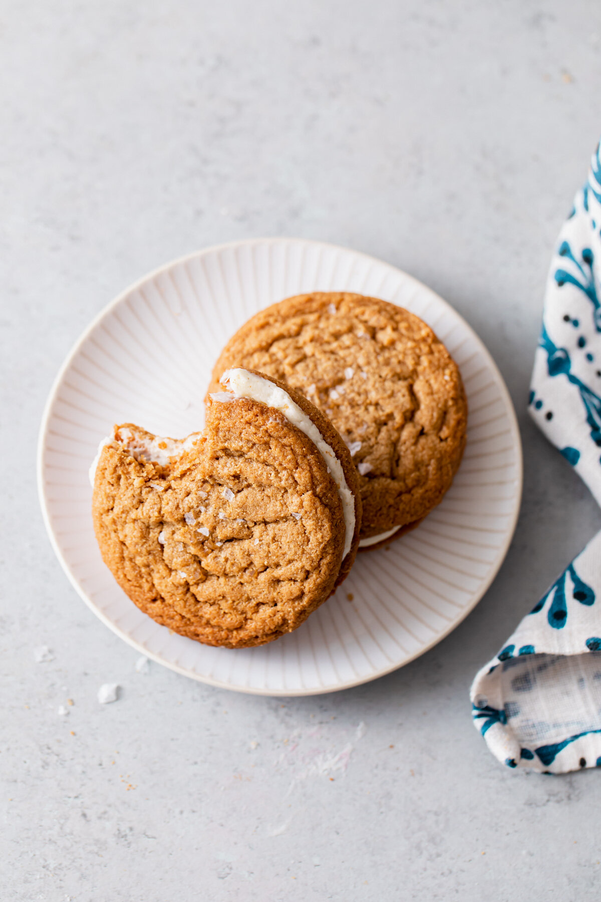 Flourless Peanut Butter Cookies with vanilla filling
