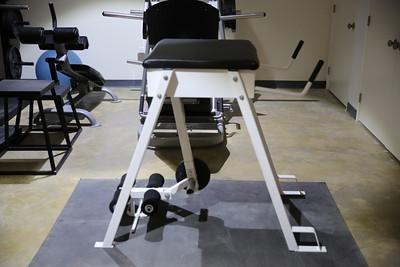 leg machine.jpg