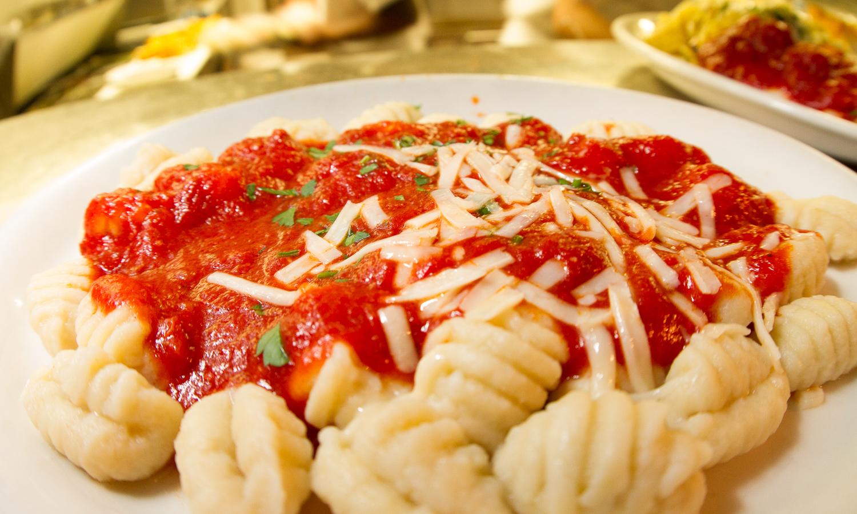 Petrinis Restaurant Goleta-104.jpg