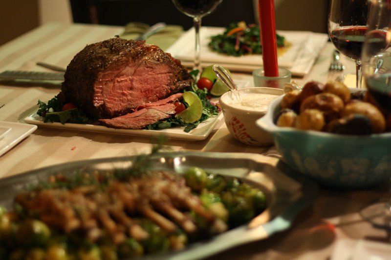 This Christmas dinner is not possible without the use of an oven and proper roasting technique
