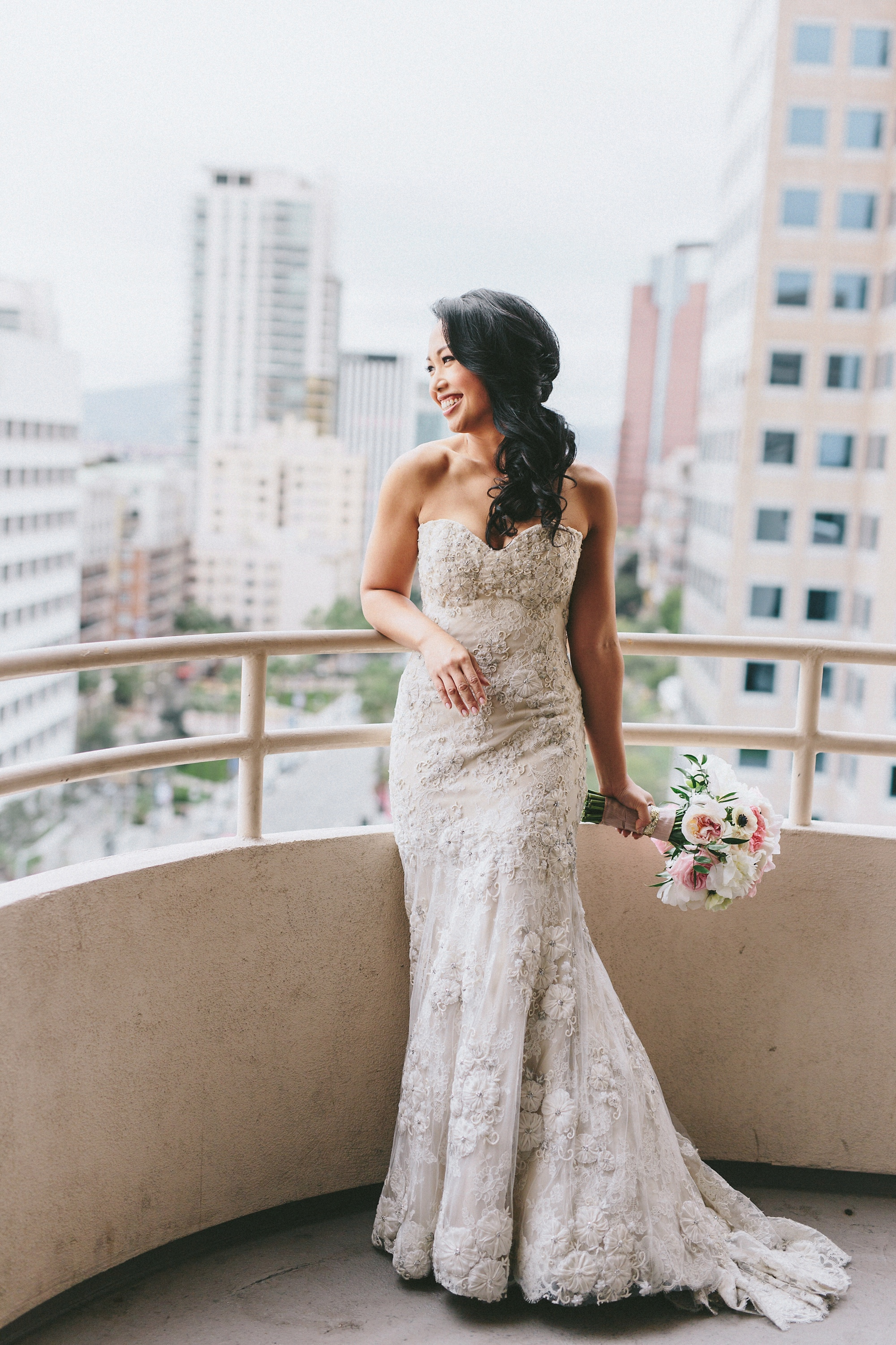 Former client of mine looking extra fabulous on her special day.