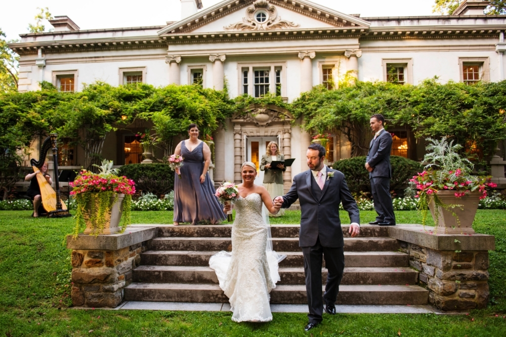 Laura playing for a wedding at the Liriodendron Mansion 2015