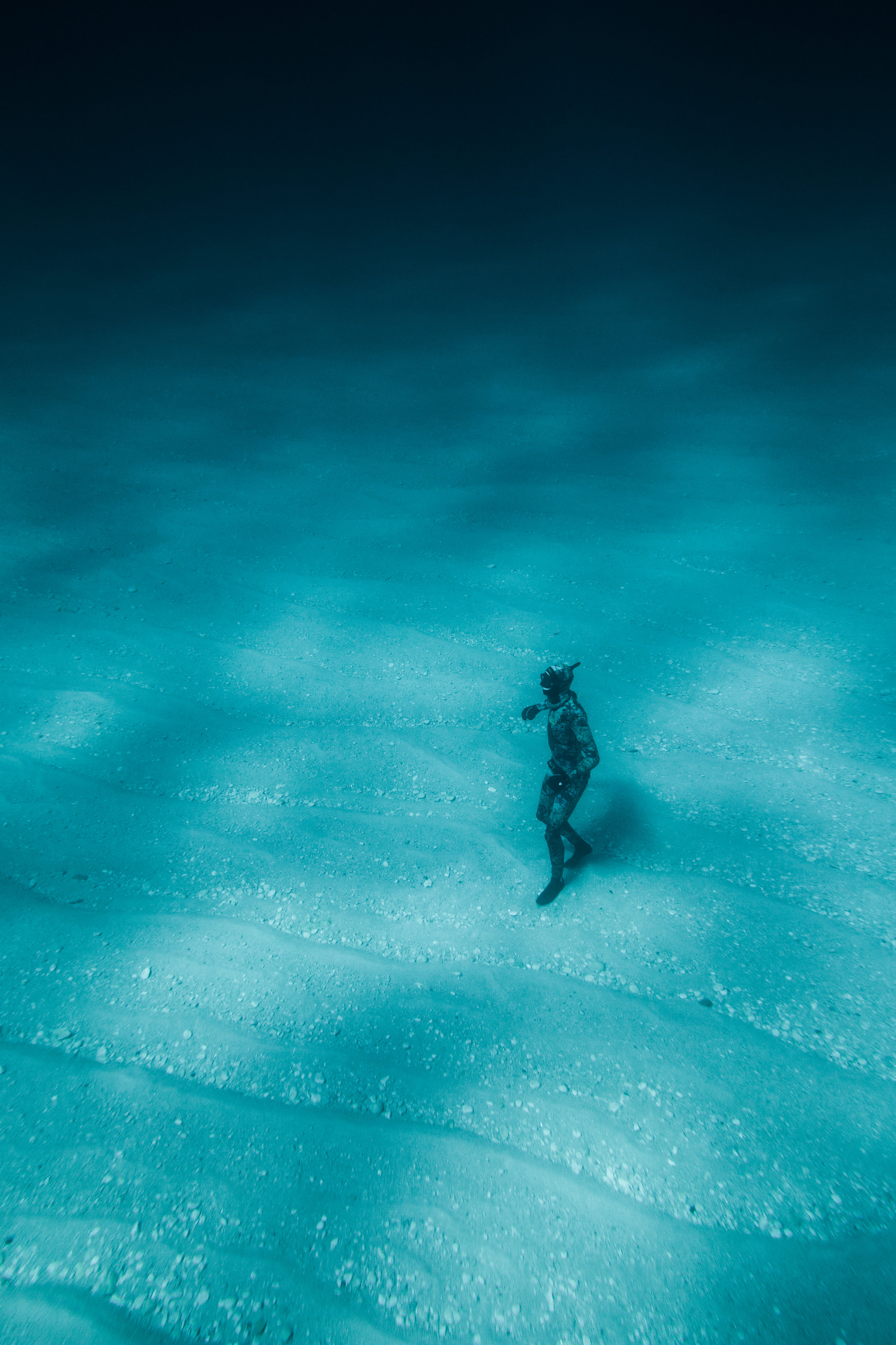 Freediving on the soft sand and pebbles of Lake Huron. ©Geoff Coombs
