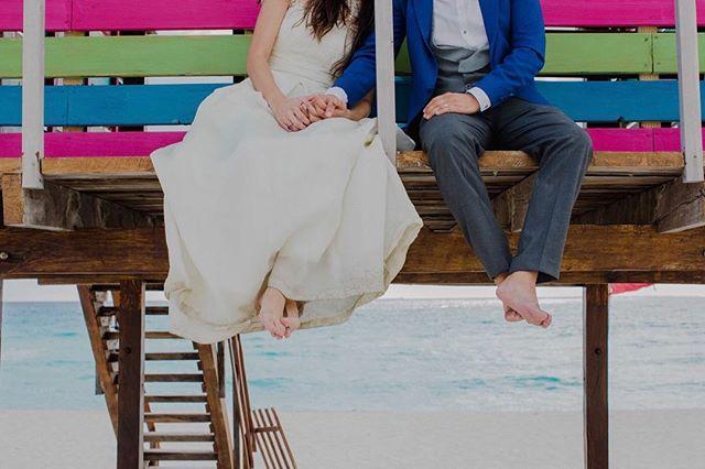 Trash the dress. www.andreamancilla.com.mx __ #fotografiaandreamancilla #cancun #sanmigueldeallende #aguascalientes #leon #lookslikefilm #trashthedress #theknot #tribearchipelago #greenweddingshoes #weddingphotojournalism #wedding #fridaenamorada #novias