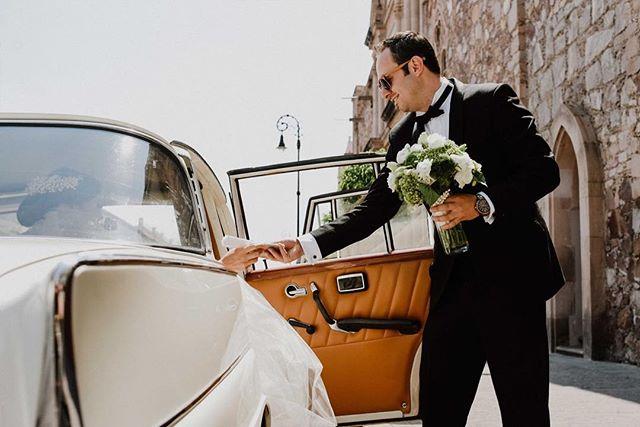 Momentos. www.andreamancilla.com.mx __ Maquillaje: @ceciliadealba.makeupartist  #fotografiaandreamancilla #bodas2018 #bodasmexico #leon #guadalajara #méxico #aguascalientes #sayulita #sanmigueldeallende #wedding #weddingstyle #weddingday #greenweddingshoes #weddingphotojournalism #lookslikefilm #theknot #tribearchipelago #tribephotoco #melissalaranovias #moments