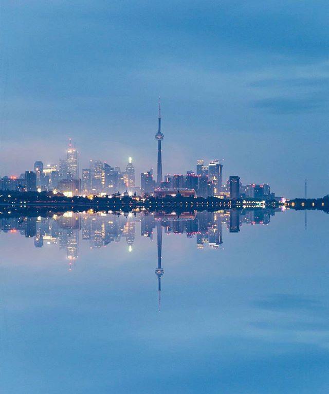 Skyline For Your Timeline #TorontoForever #BuildAFuture • 📸: @karamintheworld —  Follow Him!
