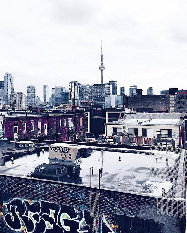 ☁️ 6 #TorontoForever #BuildAFuture • 📸: @tom__t —  Follow Him!