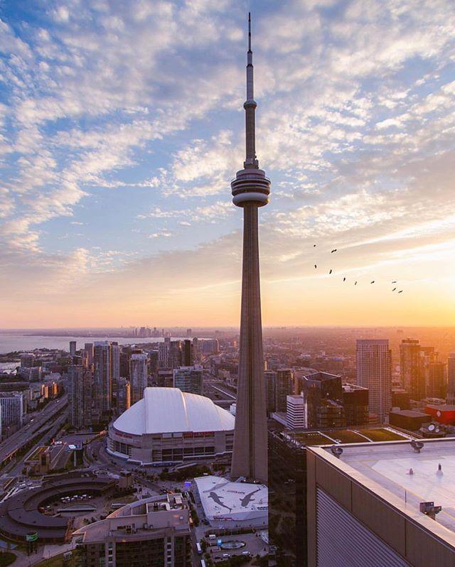 Hussle 🙏🏾 #TorontoForever #BuildAFuture • 📸: @caymannnn —  Follow!