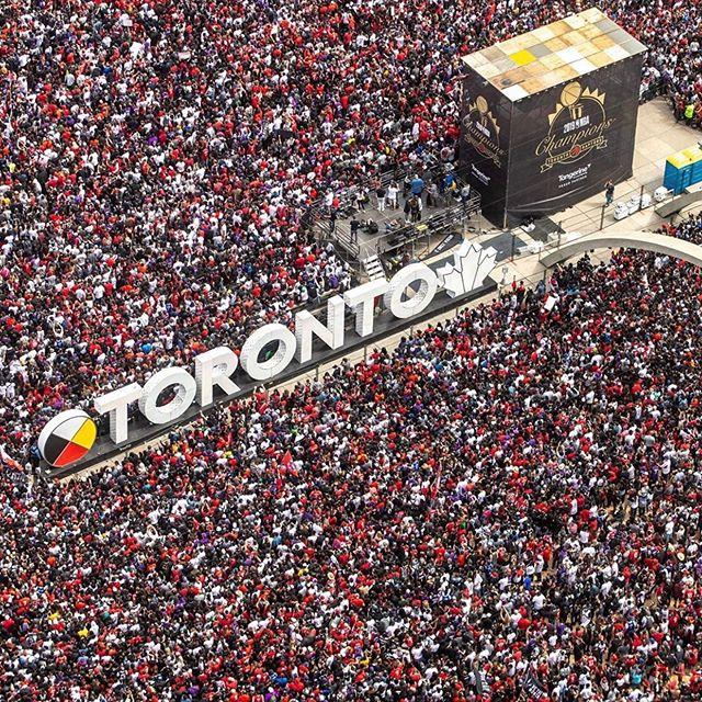 F O R E V E R 🦖 🏆 #TorontoForever #Raptors #NBAChampions #WeTheNorthDay • 📸: @jakerybu —  Follow!