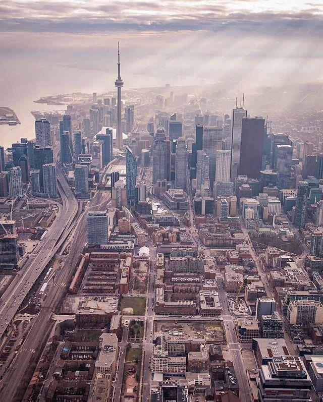It's Hard To Say No #TorontoForever • 📸: @iflygta —  Follow!