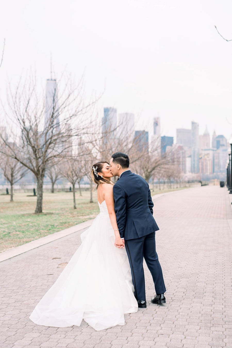 Liberty House wedding in Jersey City photographed by NJ wedding photographer, Myra Roman Photography
