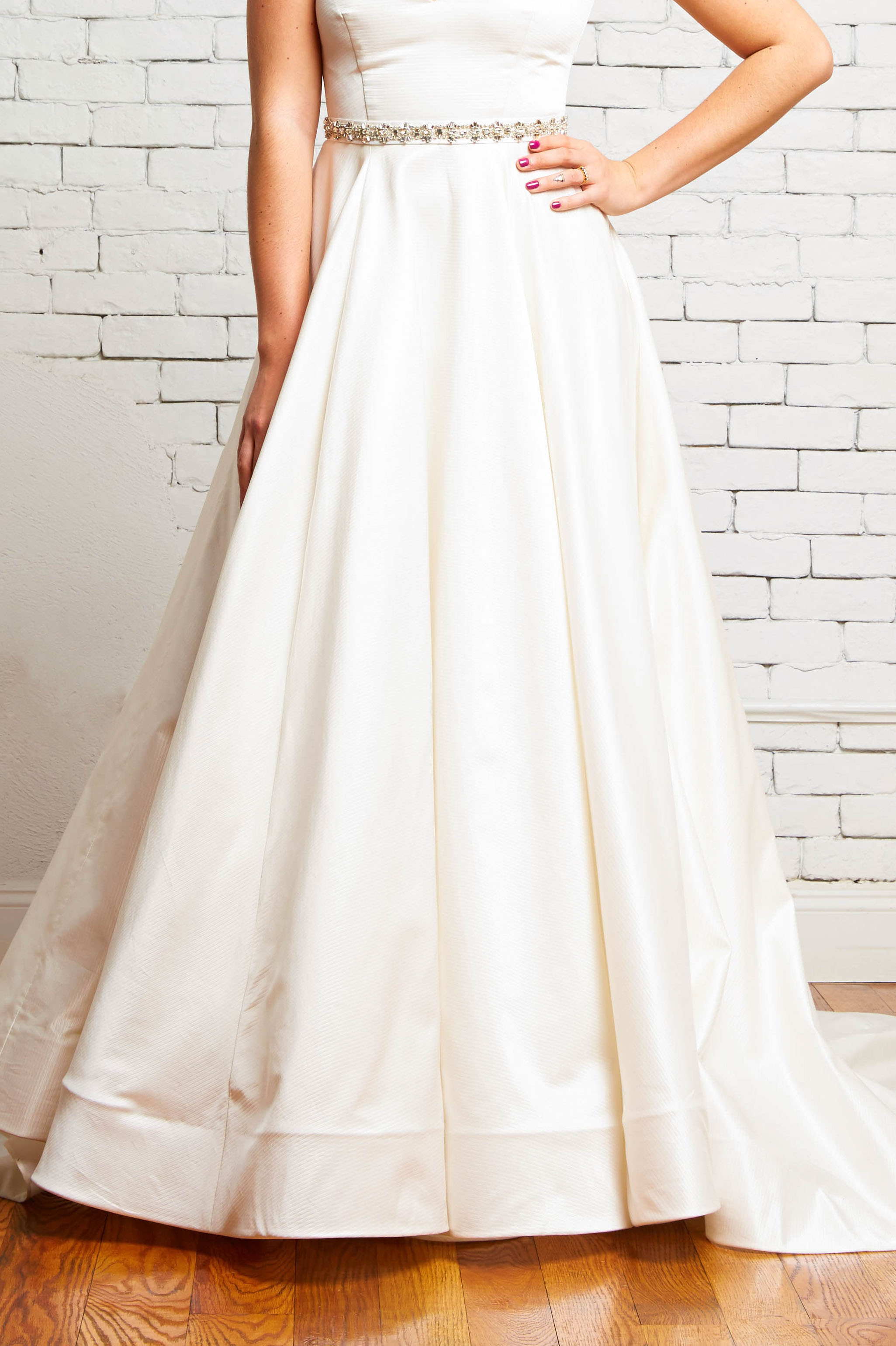 10C London Skirt Front-Rebecca Schoneveld-Modern_Ballgown_Wedding_Satin_Texture_Skirt.jpg