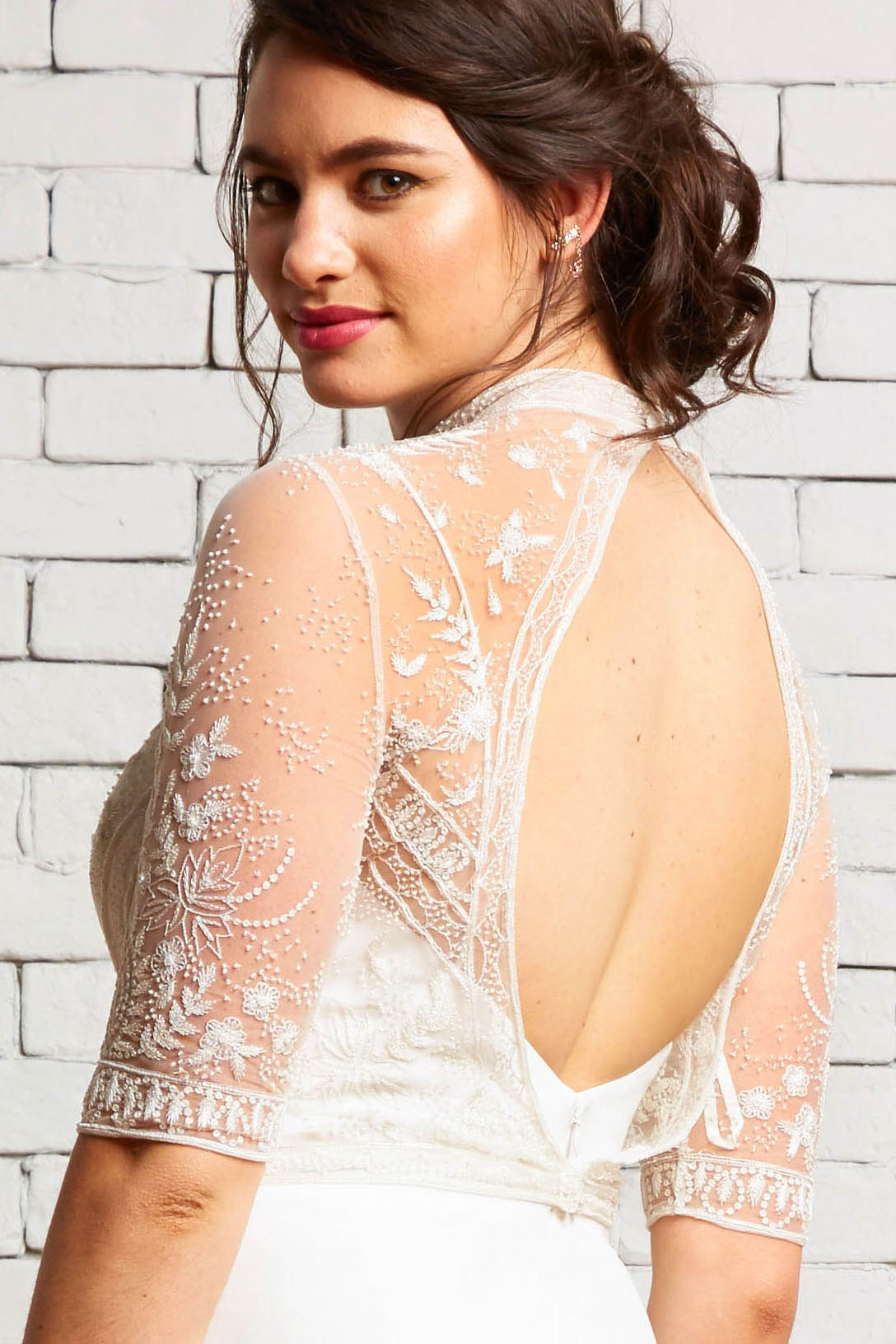 4B Thea-Daisy Back-Rebecca Schoneveld-Embroidered_Modern_High-neck_Wedding_Top.jpg
