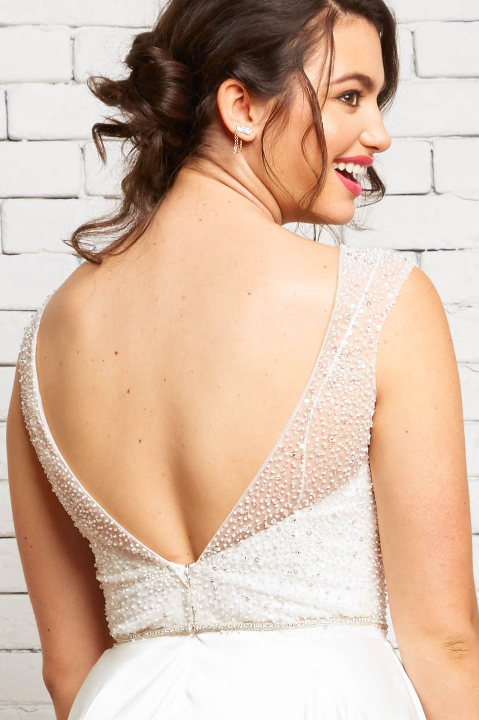 8B Kelly Back-Rebecca Schoneveld-Sparkle_Wedding_Top_Cap_Sleeve_Modern.jpg