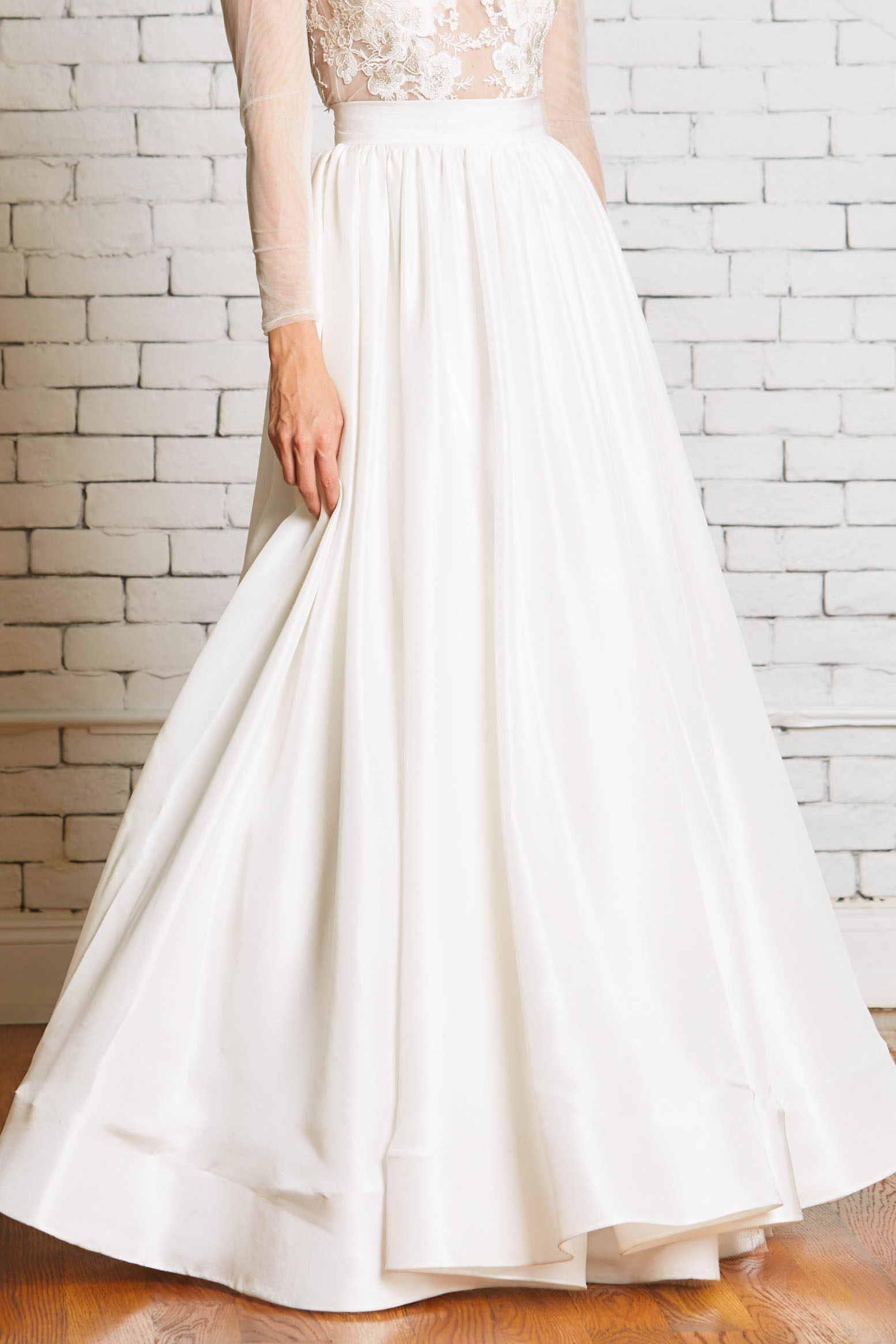 13a.Rebecca_Schoneveld_Olivia_Skirt-Front-Ballgown_Skirt_with_Pockets_Drama.jpg