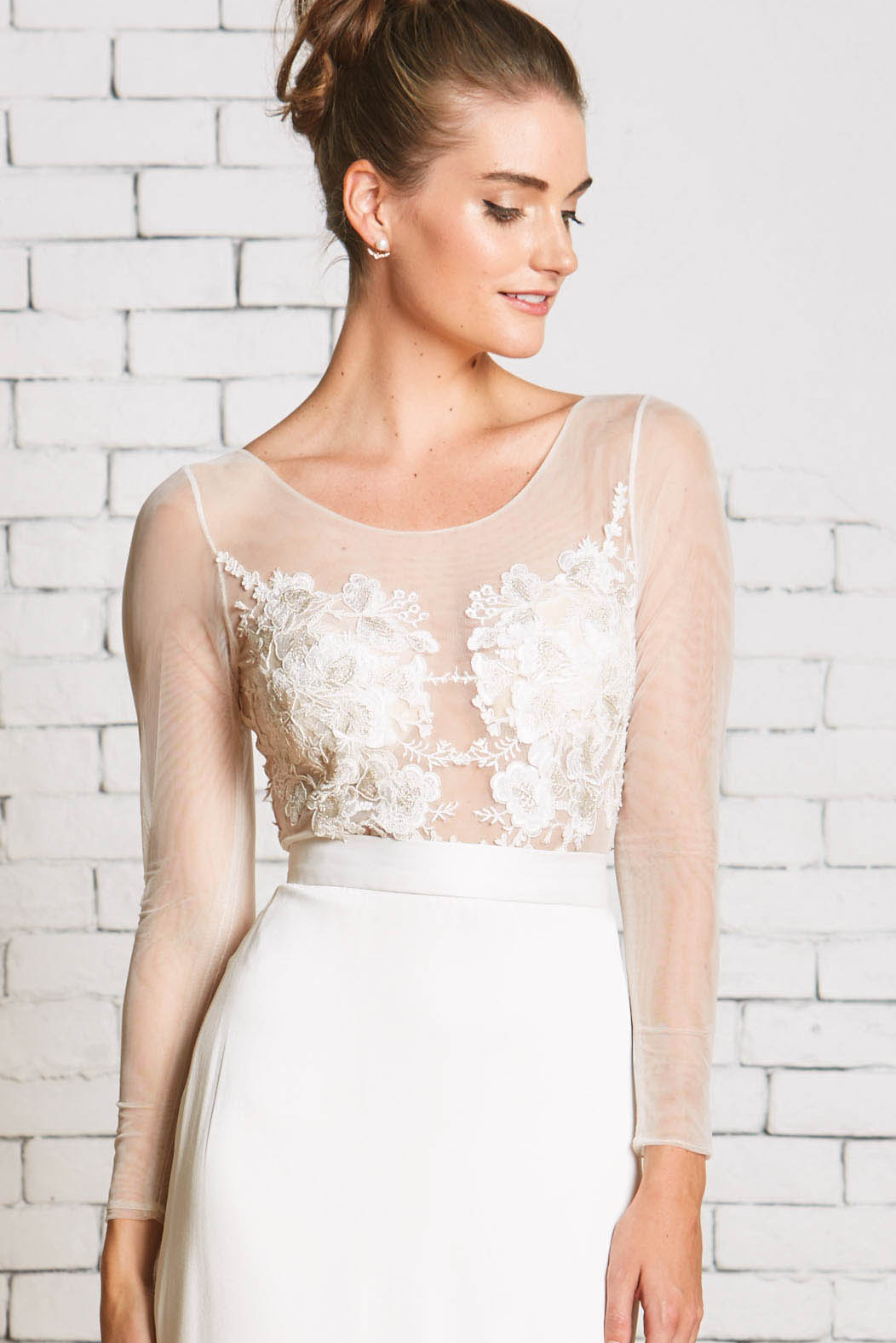 Rebecca_Schoneveld_Capri_Top_Frong_Bridal_Seperates_Long_Sleeve_wedding_Dress.jpg