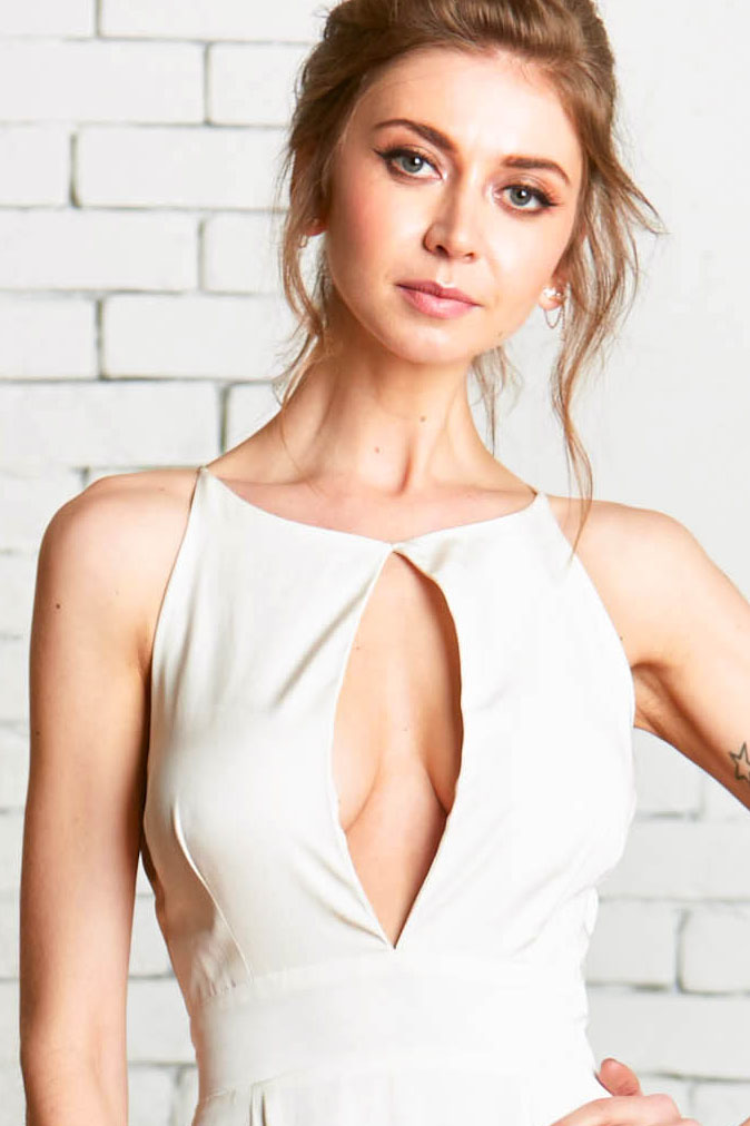 Lincoln_Bodice_1front-Wedding_Separates_Clean_Modern_Keyhole_Halter_Neck.jpg