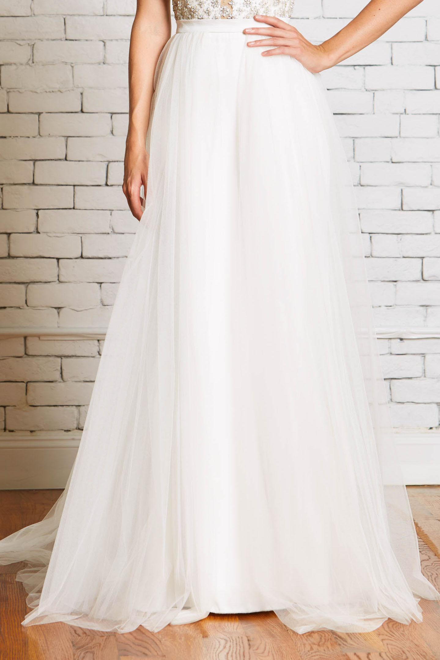 Rebecca_Schoneveld_Millie-Overskirt_front-Wedding_Tulle_Unique_Separates.jpg