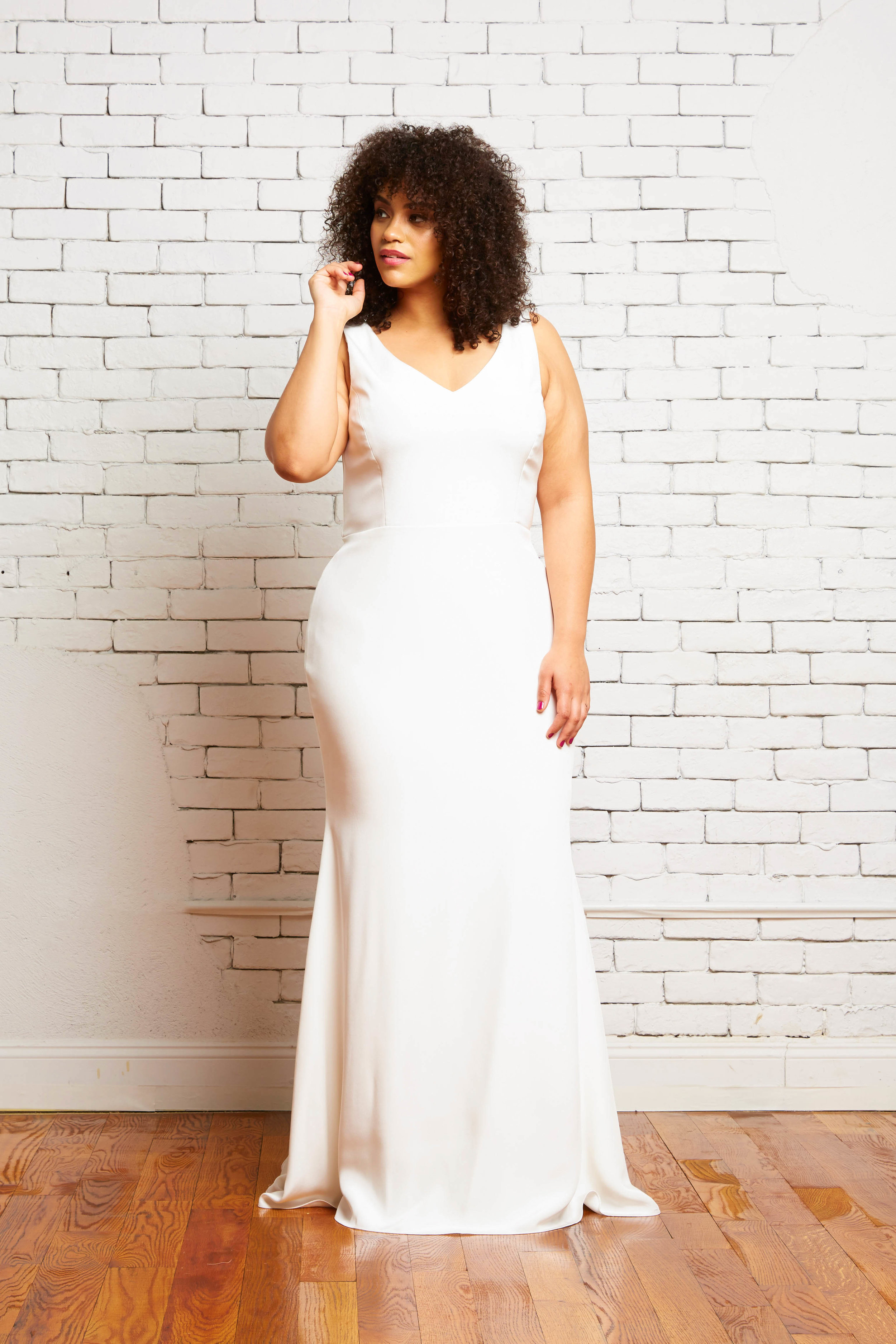 29A. Parker Front-Rebecca Schoneveld-2-55_sleek_modern_fitted_v_neck_low_back_gown.jpg