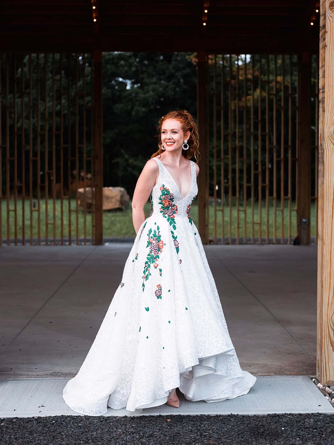 Rebecca_Schoneveld_Isabel_Gown_boho_highlow_Ballgown_plunging_v_v_neck_colored_embroidery_lace_bohemian_wide.jpg