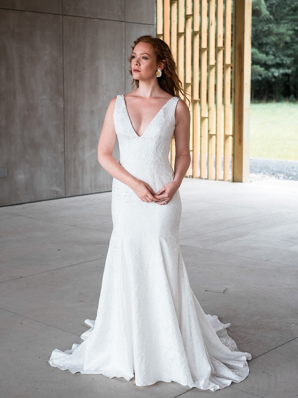 rebecca_schoneveld_riley_gown_romantic_sexy_fitted_brocade_fit_and_flare_mermaid_9.jpg