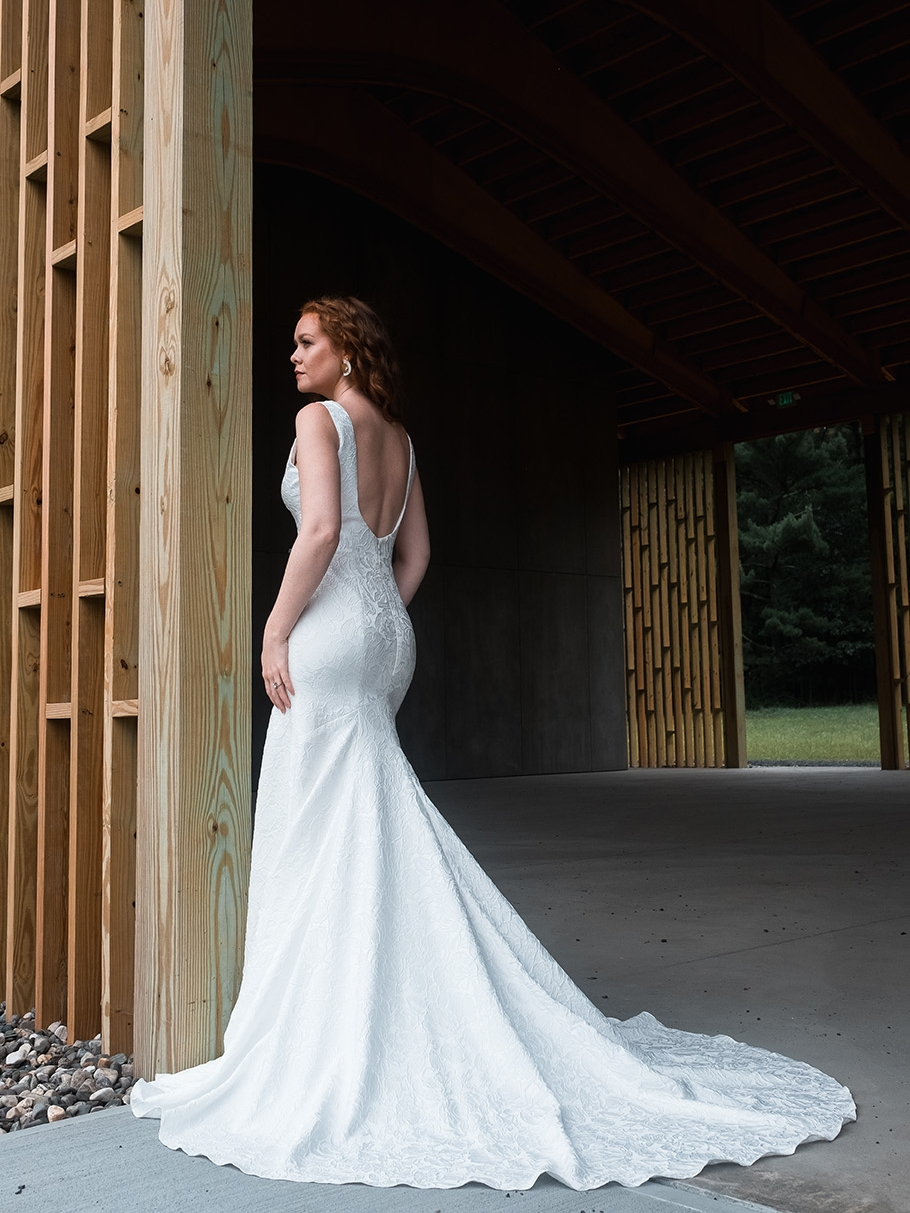 rebecca_schoneveld_riley_gown_romantic_sexy_fitted_brocade_fit_and_flare_mermaid_8.jpg