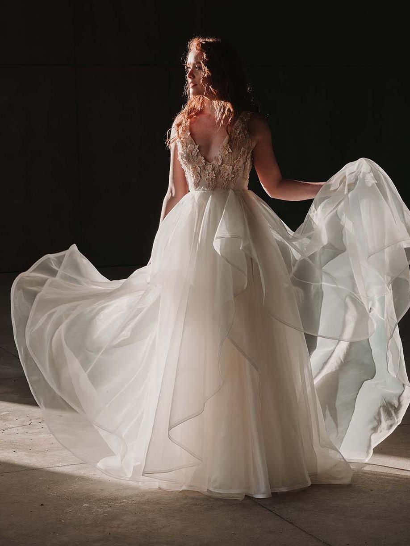 Rebecca_Schoneveld_Iris_Gown_Organza_romantic_boho_fullskirt_deep_v_deepv_ballgown_dreamy_editorial_3.jpg