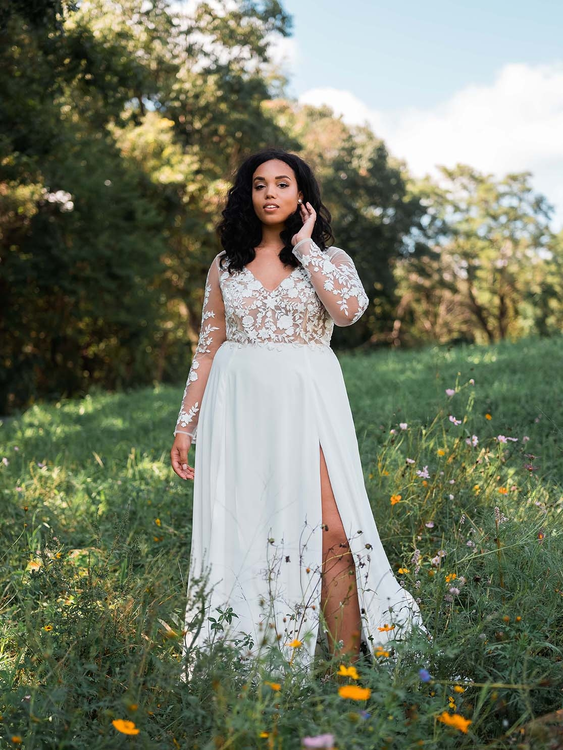 Rebecca_Schoneveld_Juliet_gown_long_sleeved_nude_tulle_embroidered_bodiec_skit_romantic_boho_18_wide.jpg