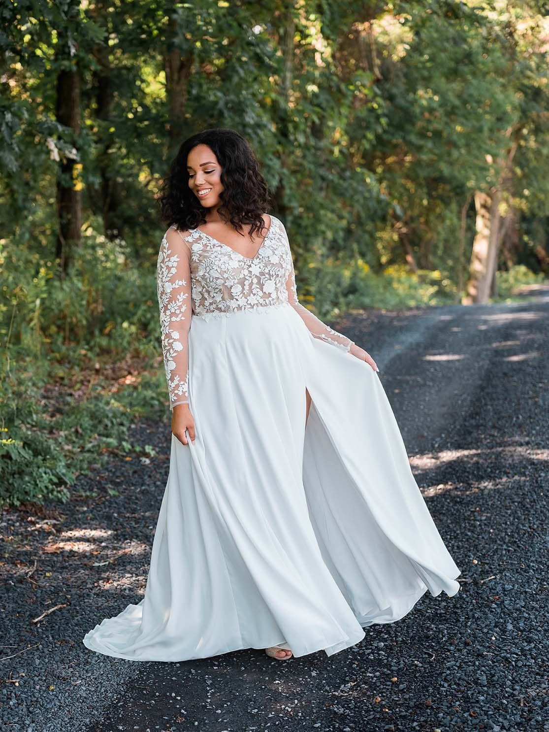 Rebecca_Schoneveld_Juliet_gown_long_sleeved_nude_tulle_embroidered_bodiec_skit_romantic_boho_18.jpg