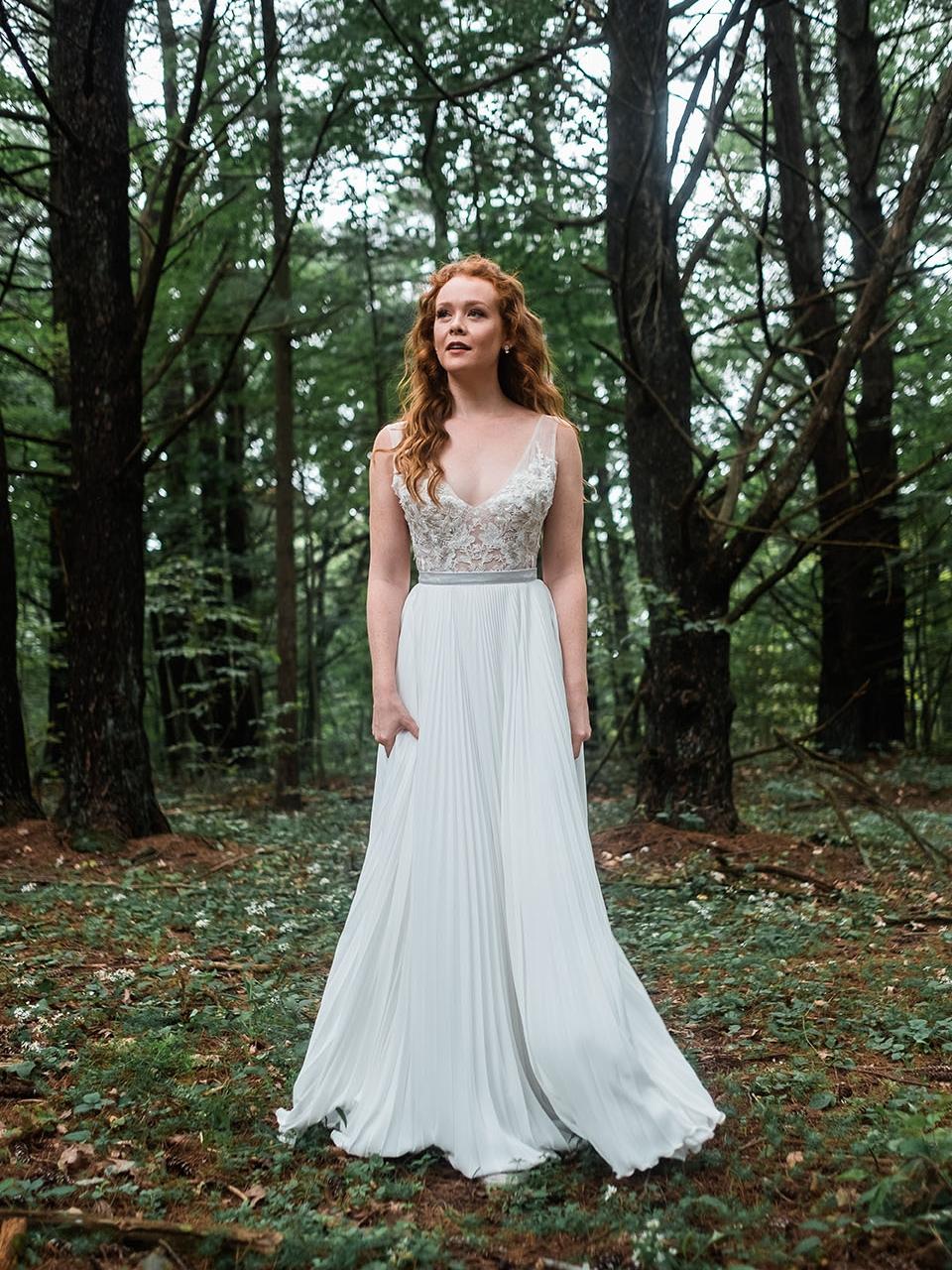rebecca_schoneveld_quinn_gown_applique_bodice_pleated_skirt_romantic_5.jpg