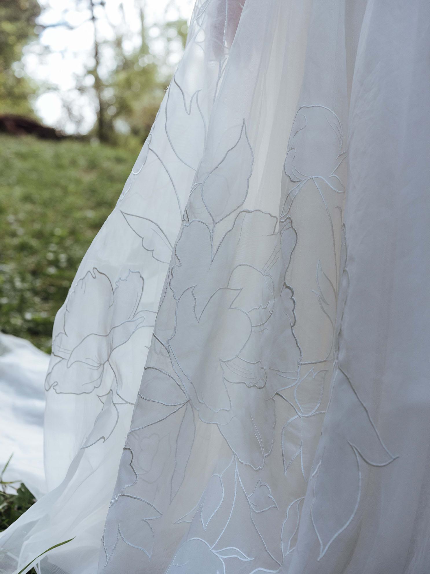WSPCo-Gather-Greene-Rebecca-Schoneveld-Bridal-458_Rumi_wedding_gown_skirt_flower_details_romantic.jpg