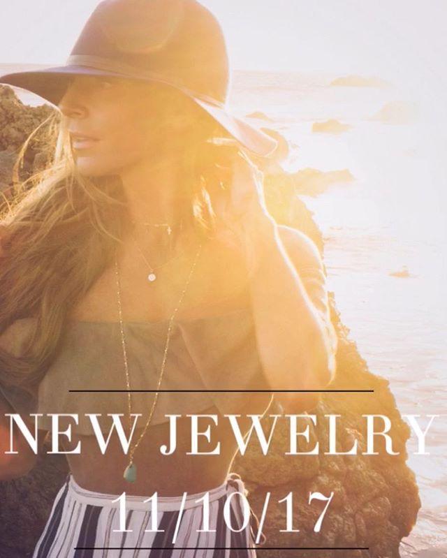 11/10/17 🖤  #newjewlery #soexcited #jewelry #gold #silver #rosegold #fashion #newline #boutique #boutiqueshopping #onlineshopping #mommy #momlife #love #faith #thankyougod #lifeisbeautiful #california #californiadreamin #malibu #beach
