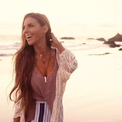 🌊☀️ #jewelry #love #inlove #laugh #bekind #sunshine #beach #silver #gold #rosegold  #fashion
