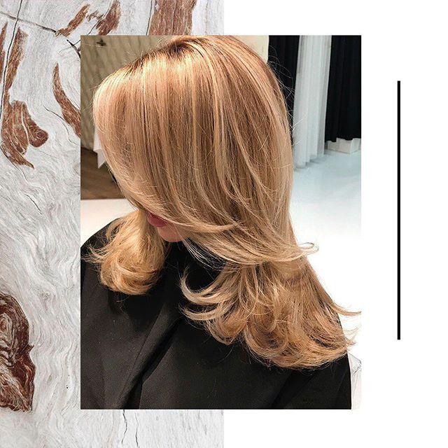 AirTouch — одна из щадящих техник окрашивания, позволяющая создать естественные и мягкие переходы цвета на волосах. Топ-стилист Beauty Z Сергей Хегай @sergheg использовал краску Keune для создания данного образа. Записаться к нашим колористам можно через Direct или WhatsApp по номеру +7 (985) 304-45-34. #beauty_z_team