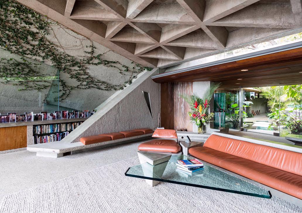 James Goldstein House, designed by John Lautner. Photo: Tom Ferguson/LACMA