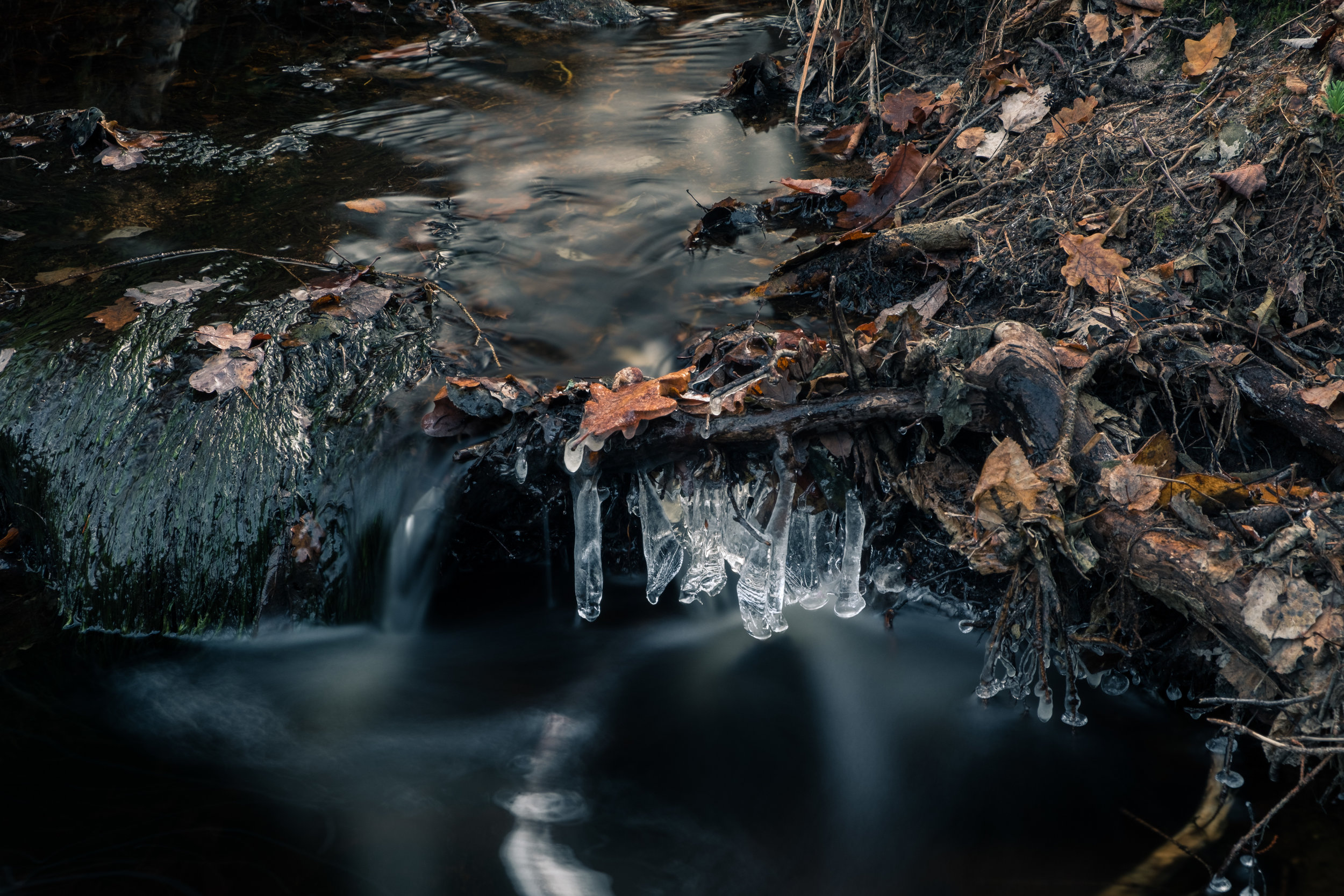 Some ice sickles in the stream close to Ilemyr. Taken with the X-T2 and the 18-55