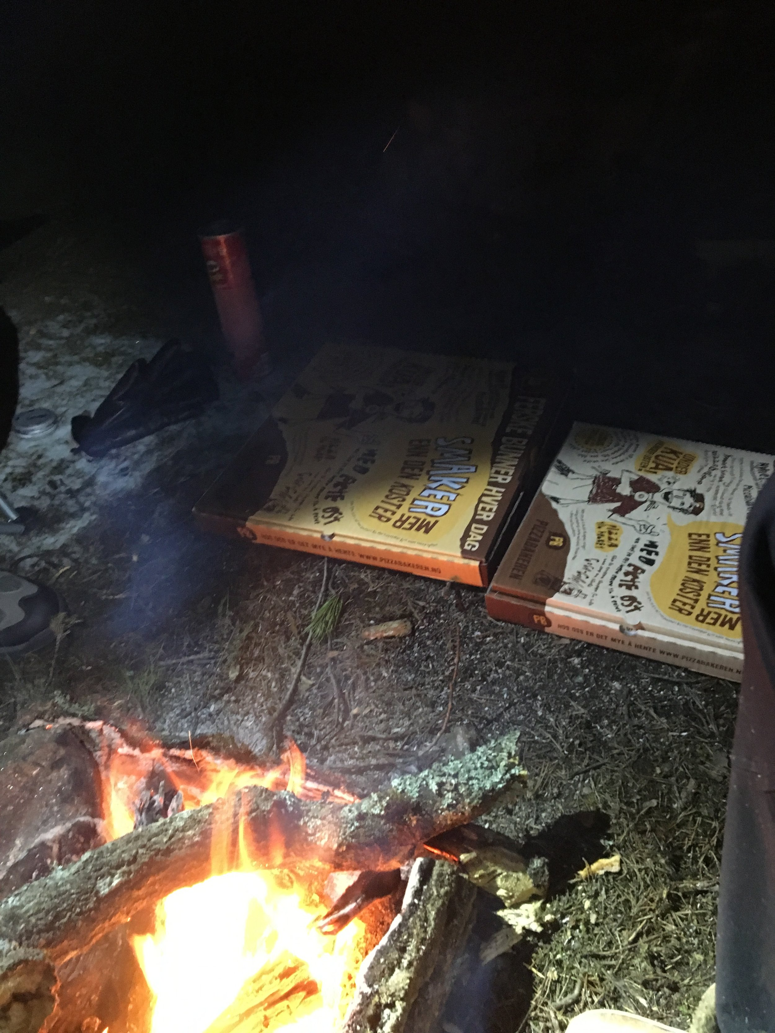 Pizza and a bonfire, perfect!