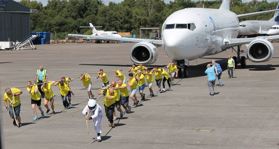 Stig's Boys & Midas Men making short work of a 35,000Kg Boeing 737!