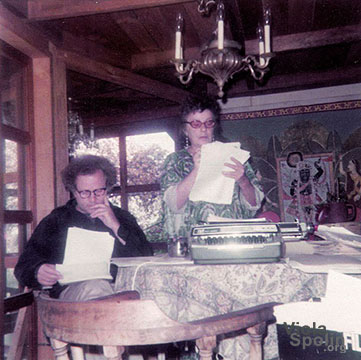 Paul Sills and Viola Spolin at work. Los Angeles, 1974.
