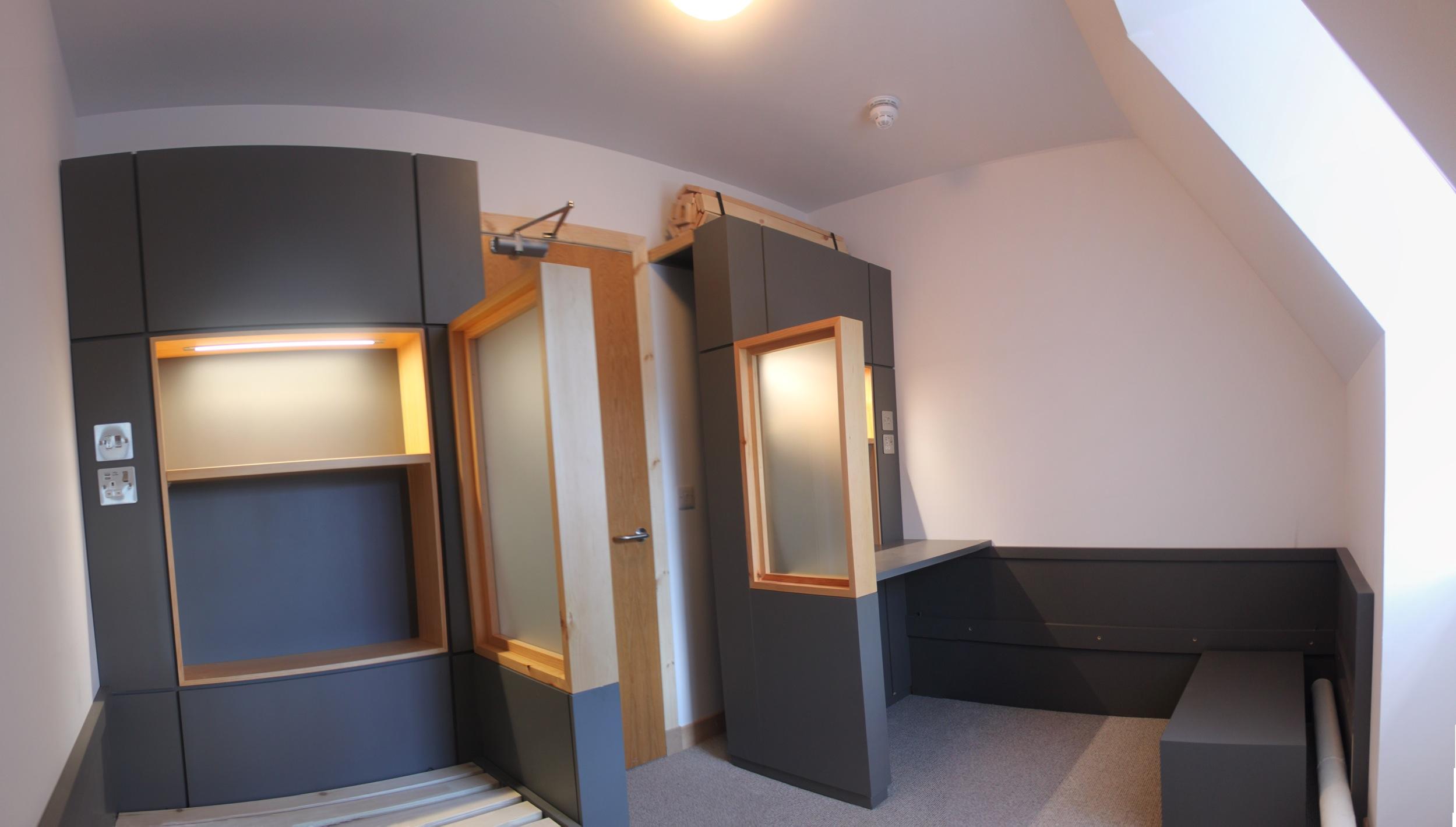 118PB Prototype bedroom 2.jpg