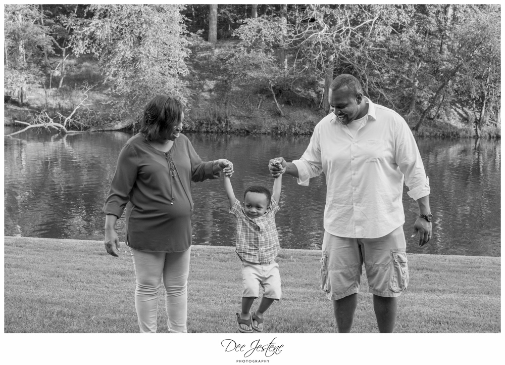 Maternity Photo shoot in Allen Pond Park MD African American Family Photography