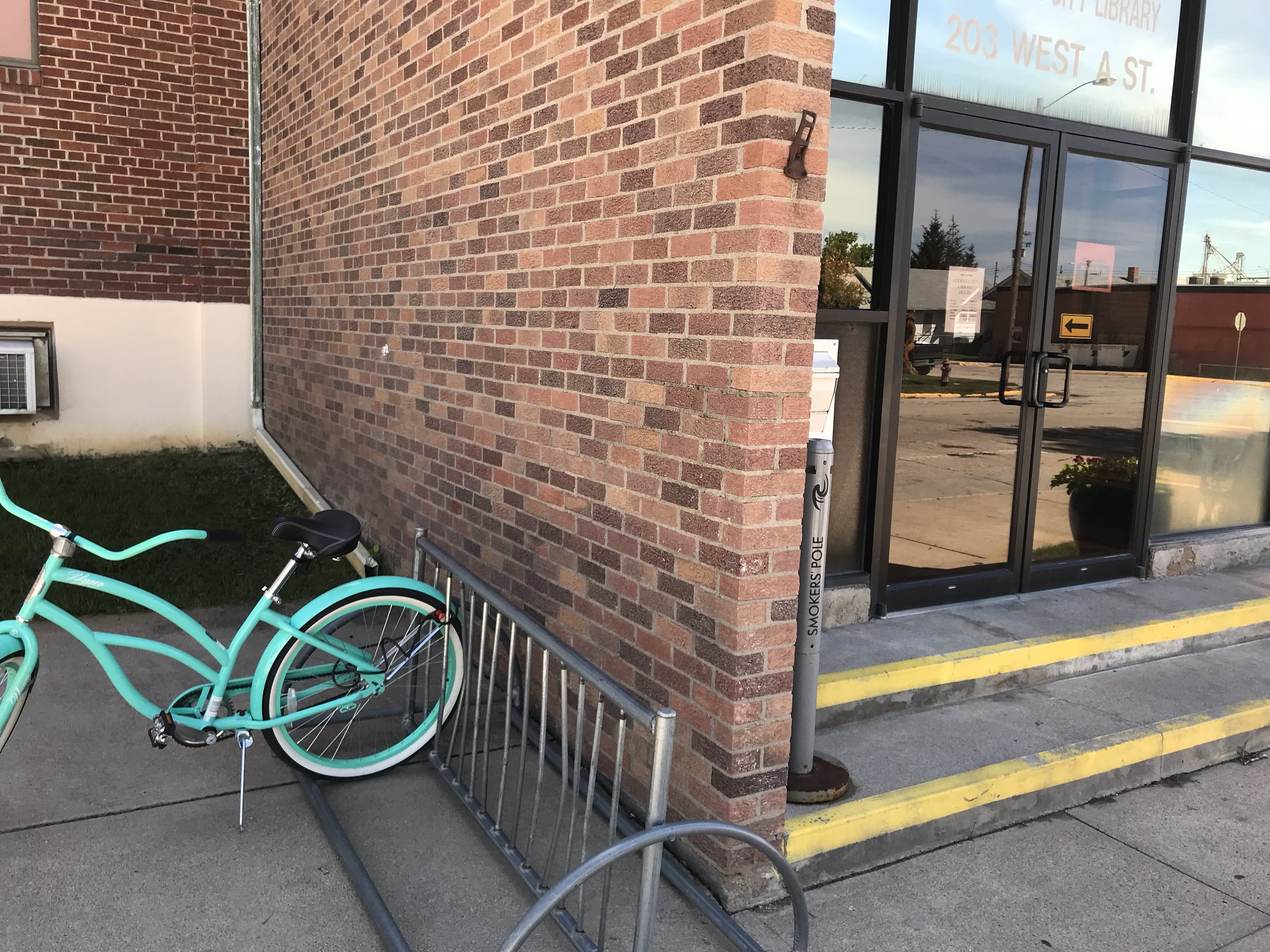 Gotta love this turquoise bike parked at the entrance to Ogallala's public library.