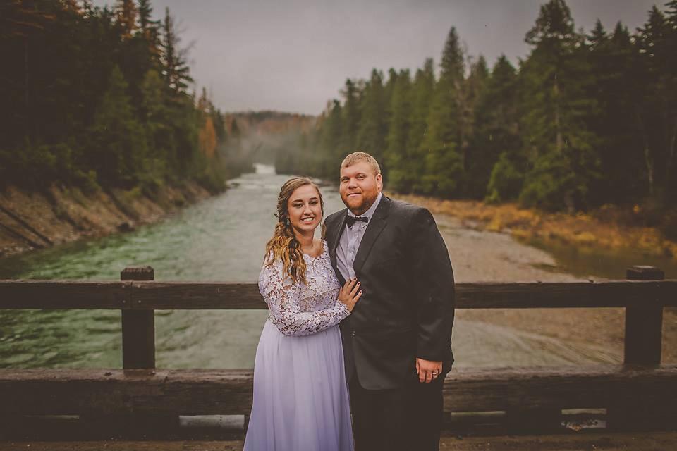 Kaitlin And Trenton Elope Real Iowa Wedding Heartland