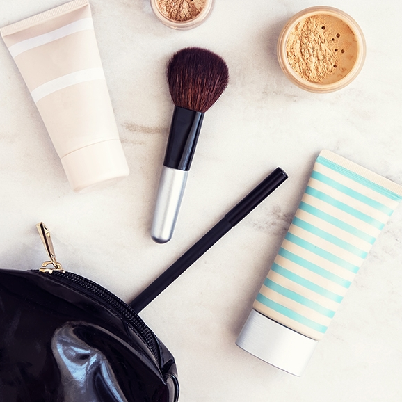 We're OBSESSED! - Find everything you need for a makeup bag to get you through your big day!